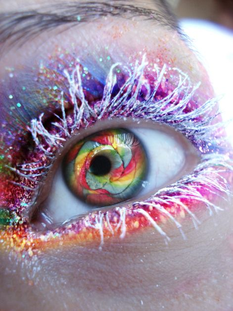 psychedelic_candy_eye_2_0_by_lilminx16.jpg